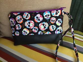 skull pouch
