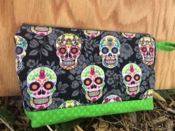 skull-pouch-2