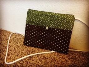 green-polka-dot-bag
