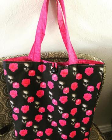 skull and rose bag
