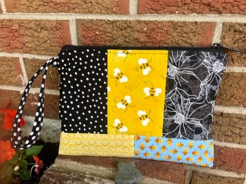 bee makeup pouch (3)